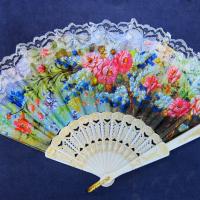 Зонтики, веера