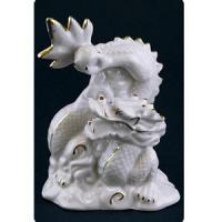 15205 Фигура Дракон с жемчуж.фарфор 7*9см