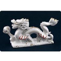 15206 Фигура Дракон с жемчуж.фарфор 12*7см