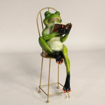 HOL21344 Лягушка на стуле 25*9,5*9,5см