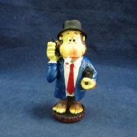 L 51329 обезьяна-бизнесмен 6,8*5*13см