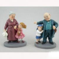 PLA 16544 бабушка /дедушка 8,9*6,3*12см