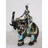 HOL 21018 африканка на слоне 23*14*26см