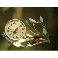 MML16002 Часы металлические белые 33*12*16 см