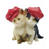 KEN78721 (4) Кошки в кепках 8*6*8.5см