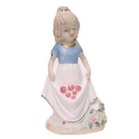 К181139 Статуэтка девочка фарфор 8*15 см