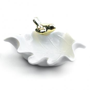 К8230-1 Тарелка декоративная с птичкой 15*10 см