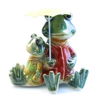 К8621 Фигурка декоративная Лягушки под зонтом 12*13 см