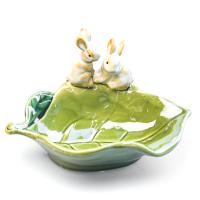 К8637 Тарелка декоративная Зайки (керамика) 17*10 см