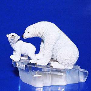 AK 8215 медведи со светом 14*7*10,5см