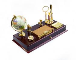 К9157 Настольный набор руководителя с глобусом 41*21*22,5 см