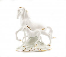К9102 Лошадь с жеребенком 13 см (фарфор)
